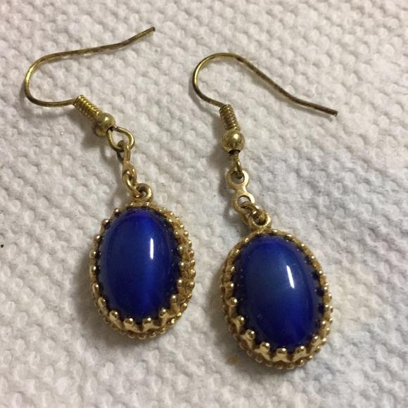 Avon Jewelry - Avon Blue Oval Dangle Pierced Earrings